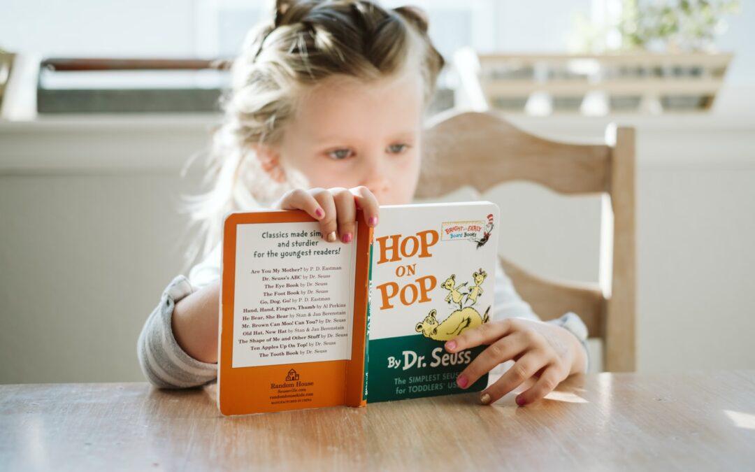 Sådan Får du De Små Børn til at Læse Bøger